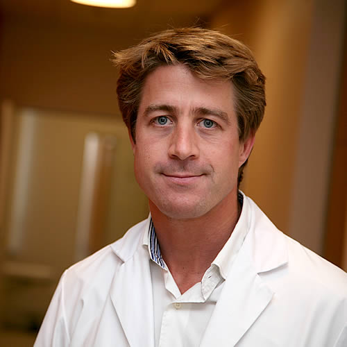 DR MAXIME SERVAES